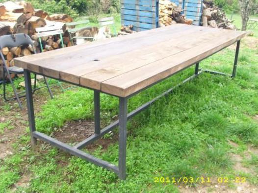 table en bois exterieur